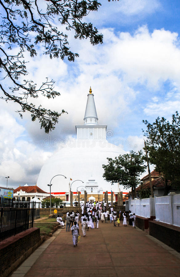 Pellegrini in Anuradhapura, Sri Lanka fotografie stock