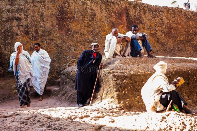 Pellegrini cristiani in Lalibela immagini stock libere da diritti