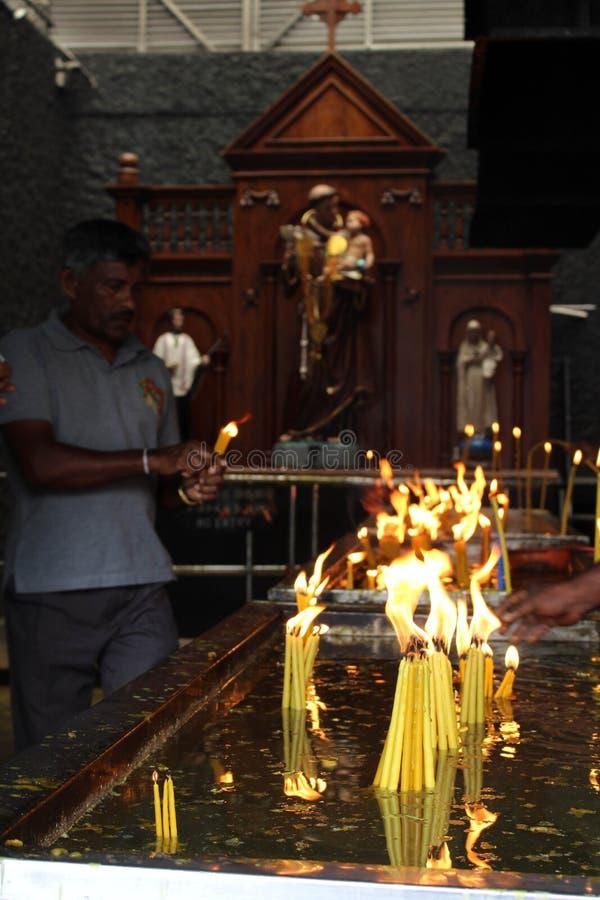 Pellegrini del san Anthony Shrine a Colombo fotografie stock libere da diritti