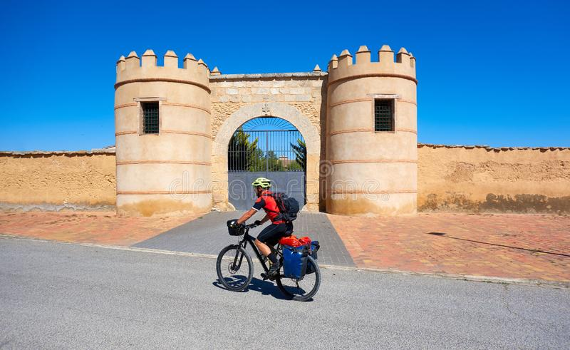 Pellegrino della bicicletta di Minaya al modo di Saint James fotografie stock libere da diritti