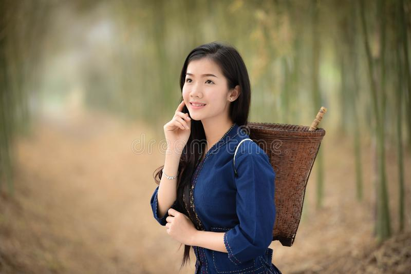 Pelo blanco de Beautiful del granjero de las muchachas del cuidado de piel de la piel hermosa de la cara fotografía de archivo