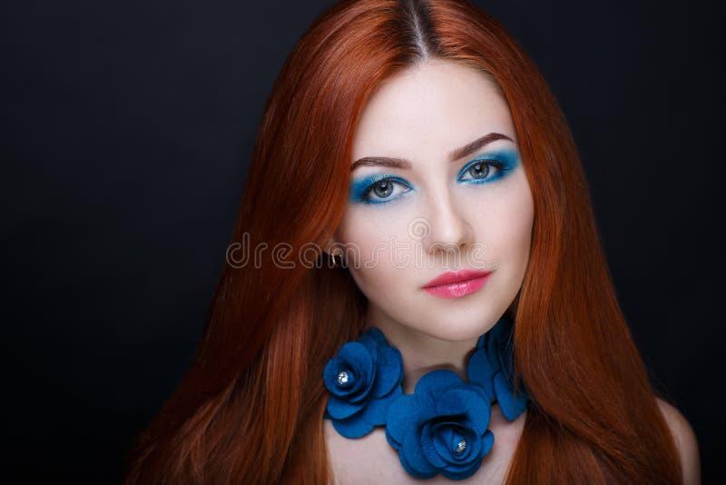 Pelo de la naranja de la mujer imagen de archivo libre de regalías