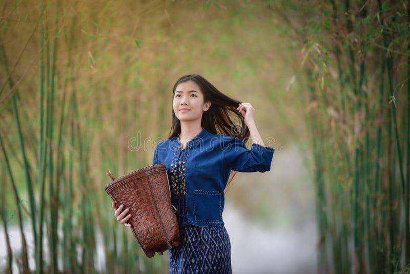 Pelo hermoso de Beautiful del granjero de las muchachas imagenes de archivo