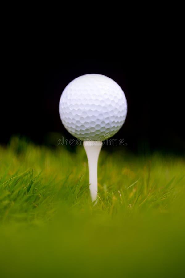 Pelota de golf en te foto de archivo libre de regalías