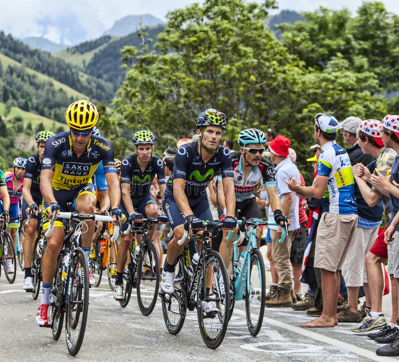Download Peloton na Alpe d'Huez zdjęcie stock editorial. Obraz złożonej z wysiłek - 32531088