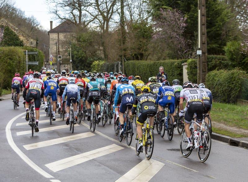 Peloton - Parijs-Nice 2019 stock afbeelding