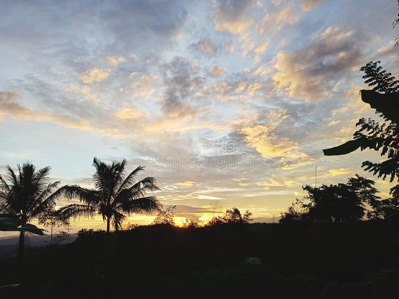 Pemandangan sunset sore hari yang indah fotos de stock