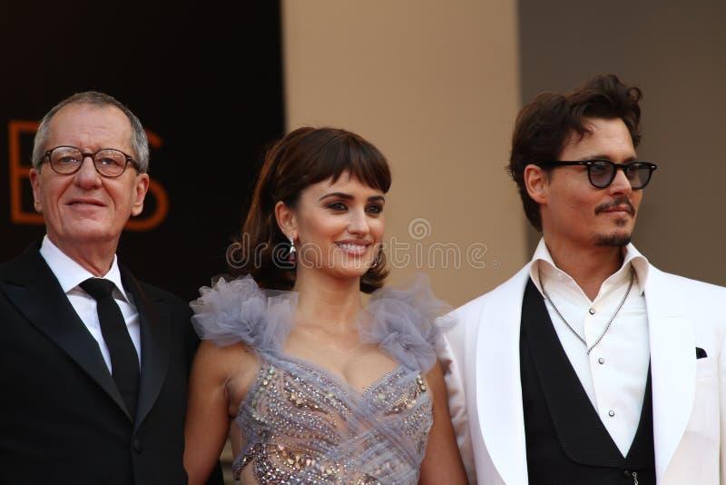 Penélope Cruz, Geoffrey Rush e Johnny Depp foto de stock