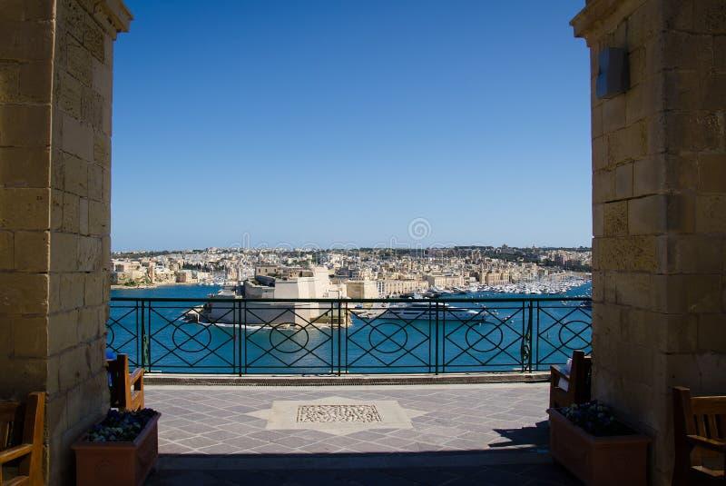 Península de L-Isla, porto e porto grande de Valletta, Malta imagens de stock