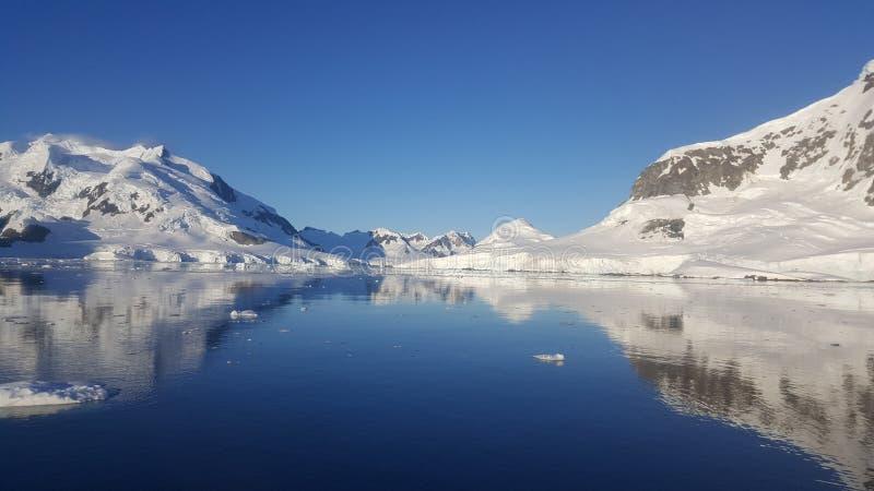 Península do Antarctic da angra do paraíso imagens de stock