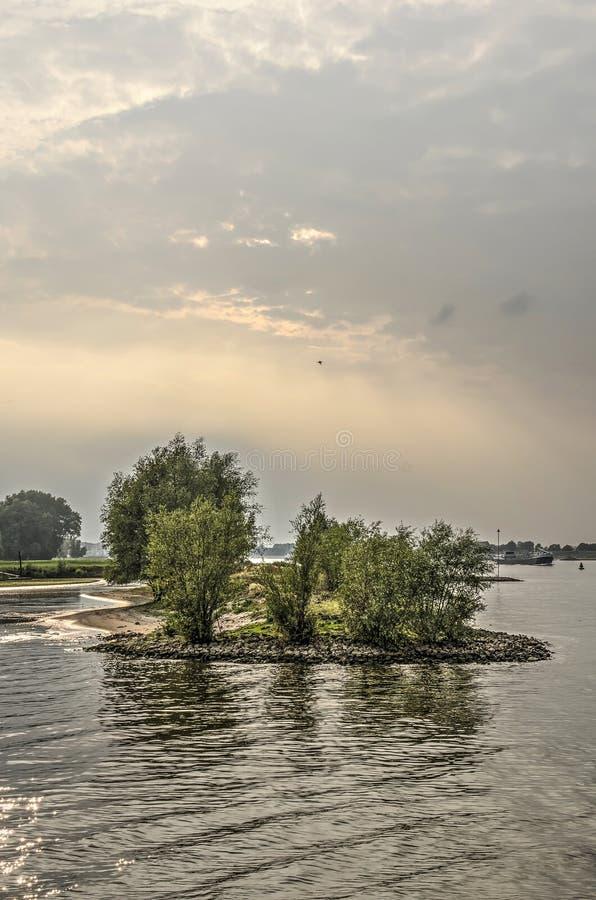 Península no rio Waal foto de stock royalty free