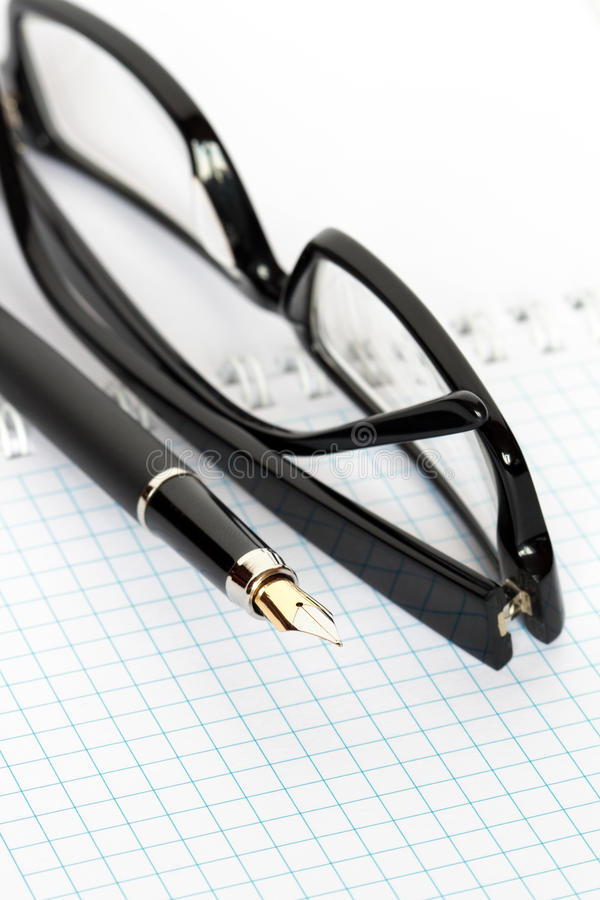 Free Pen And Spectacles Stock Image - 13731611