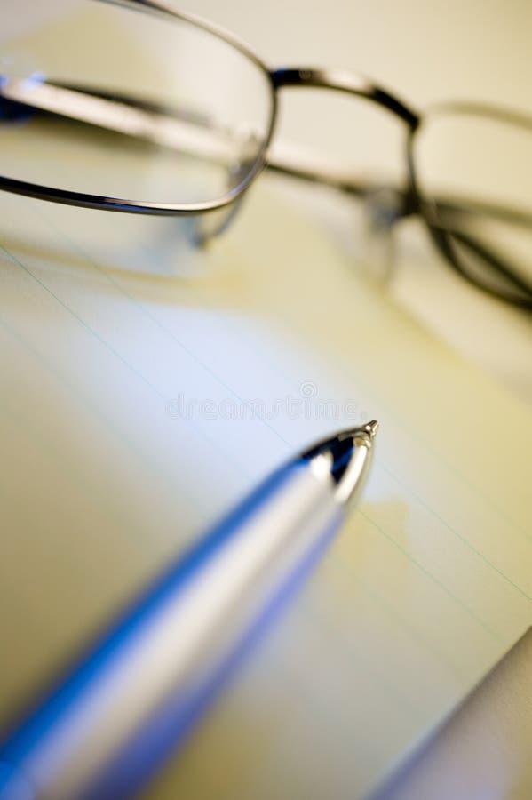 Pen en glazen royalty-vrije stock afbeeldingen