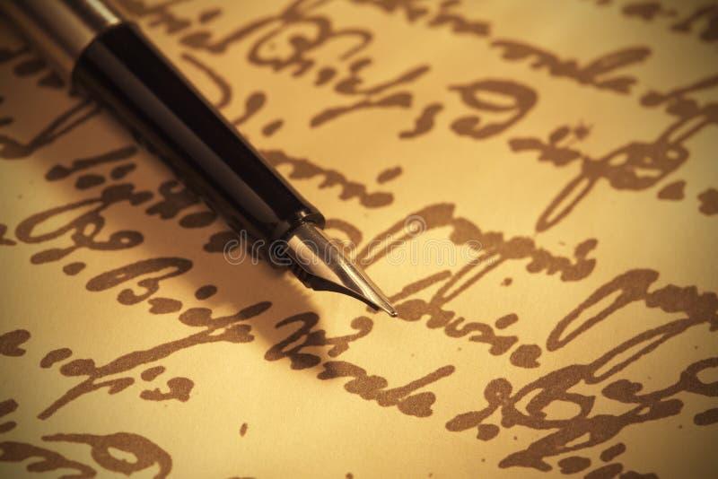 Pen op met de hand geschreven document stock fotografie