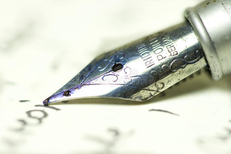 Pen op papier stock foto