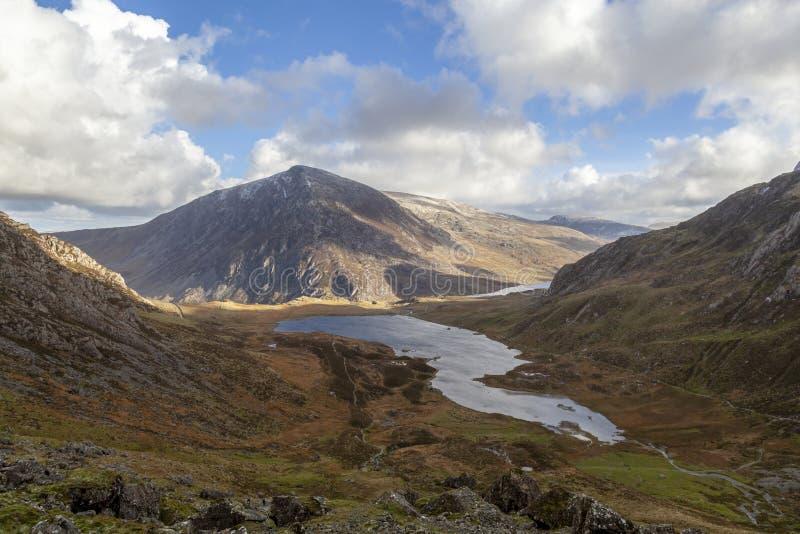 Pen Yr Ole Wen y Llyn Idwal, Snowdonia imágenes de archivo libres de regalías