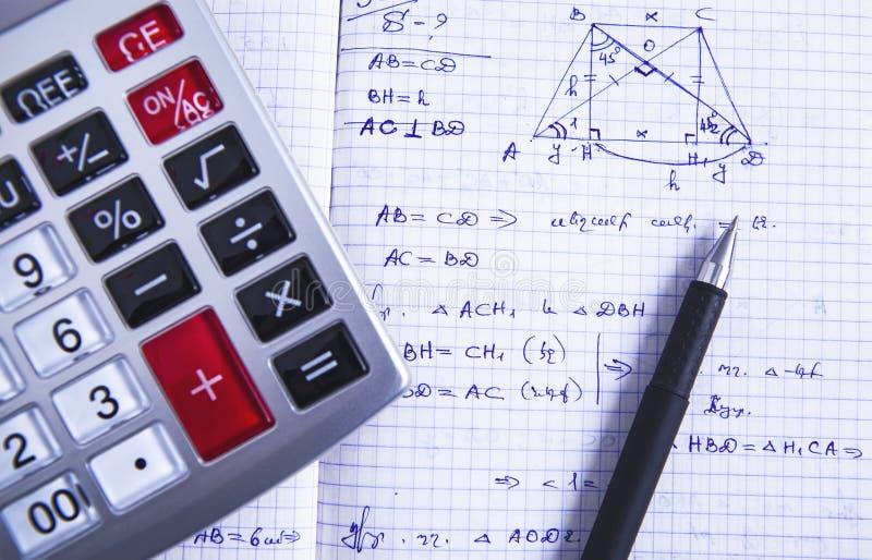 Pena da fórmula da calculadora fotos de stock