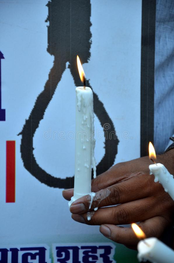 Pena de morte de exigência contra violadores imagens de stock