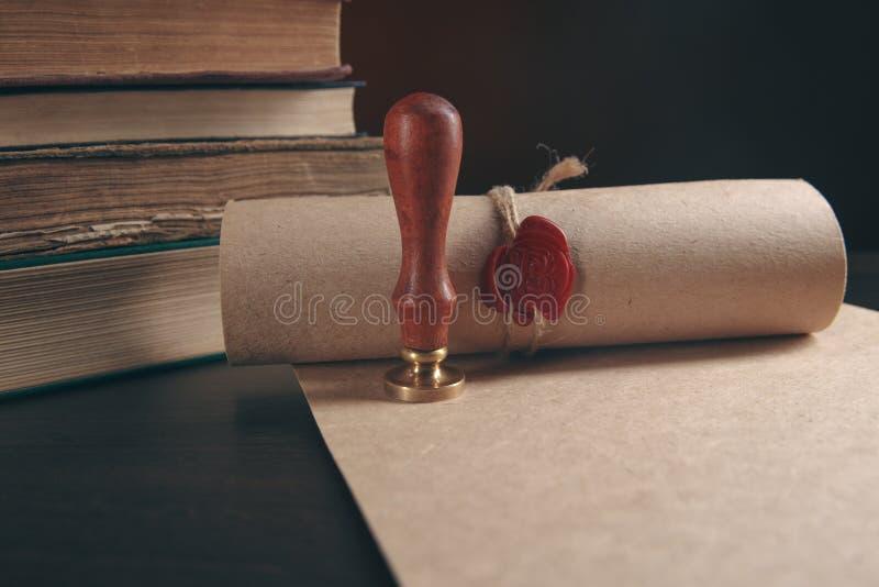 A pena e o selo públicos do ` s do notário no testamento e no último vão faz4e-lo Notário fotos de stock