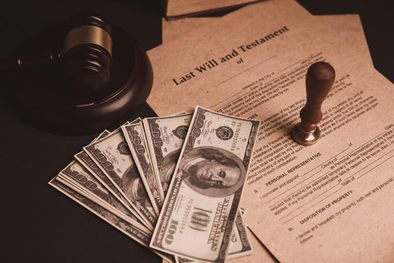 A pena e o selo públicos do ` s do notário no testamento e no último vão faz4e-lo Notário fotografia de stock royalty free