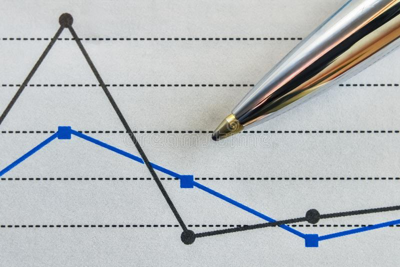 Pena e um gráfico fotos de stock royalty free