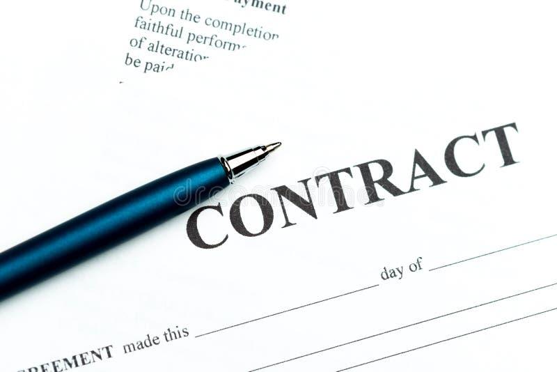 Pena no contrato foto de stock royalty free