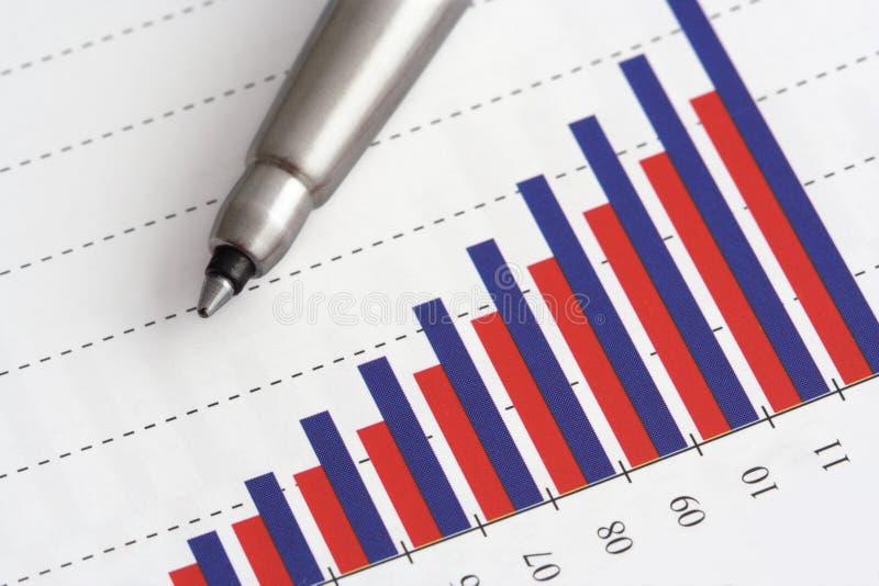 Pena no gráfico foto de stock