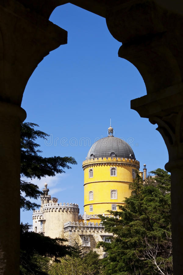 Download Pena Palace Seen Through An Arch Stock Image - Image: 21192637