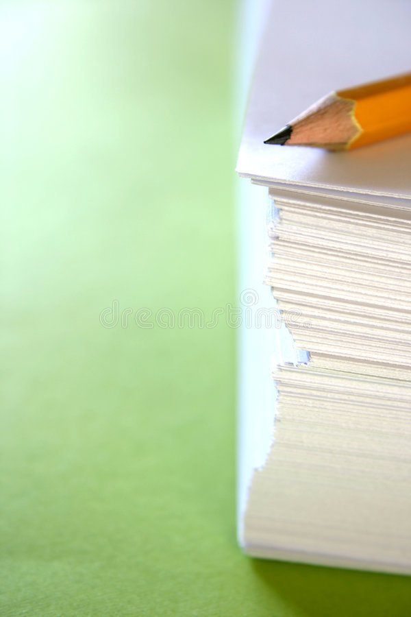 Free Pencil On A Stack Of Papers Royalty Free Stock Images - 2509729