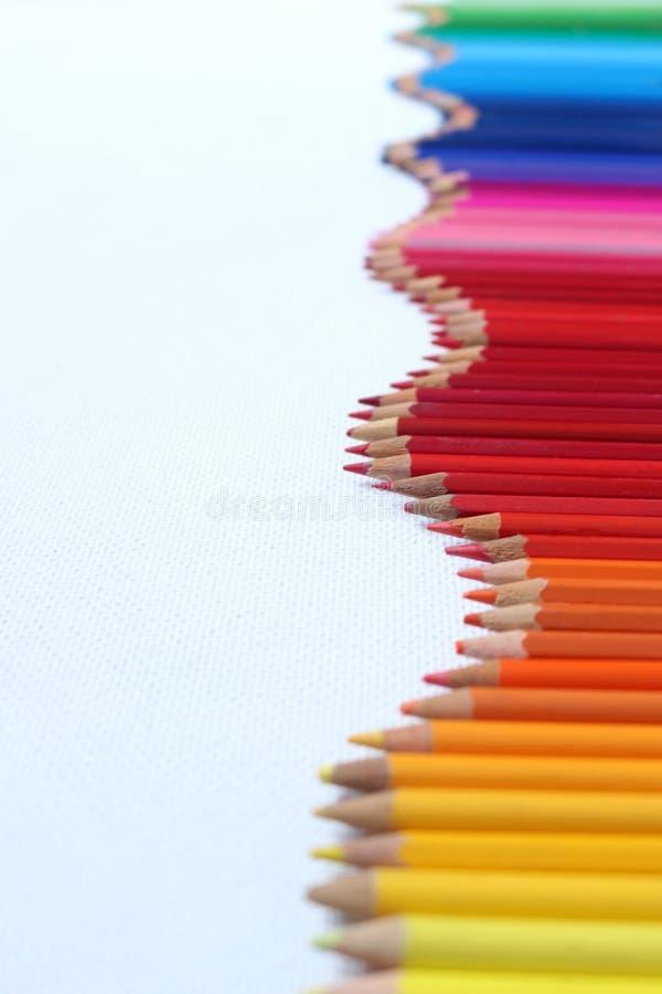 pencils regnb?gen arkivfoto
