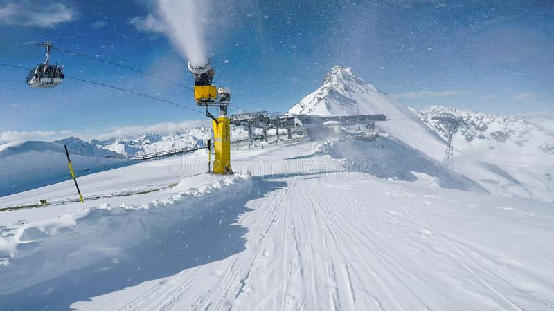 Pendii Austria Solden di inverno del paesaggio del cannone della neve fotografia stock