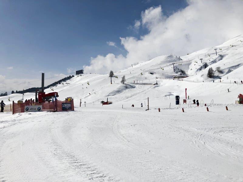 Pendii dello sci a St Moritz, Svizzera fotografie stock libere da diritti