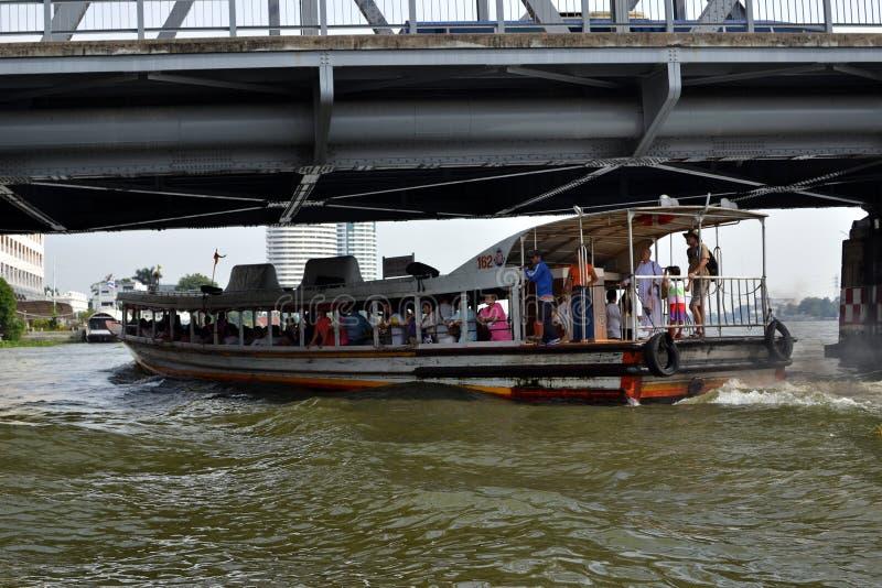 Pendler-Boot, Hauptverkehrszeit, Bangkok, Thailand stockbild