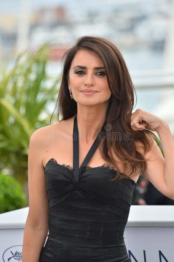 Penelope Cruz. CANNES, FRANCE. May 09, 2018: Penelope Cruz at the photocall for Everybody Knows at the 71st Festival de Cannes..© 2018 Paul Smith/Featureflash stock image