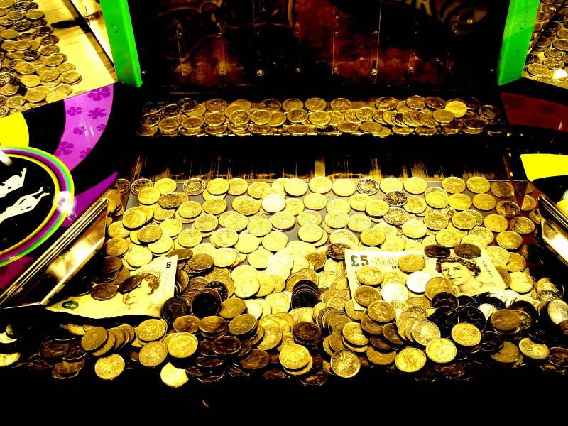 Download Pengar arkivfoto. Bild av winnings, seger, nöjesplats, ganska - 284556