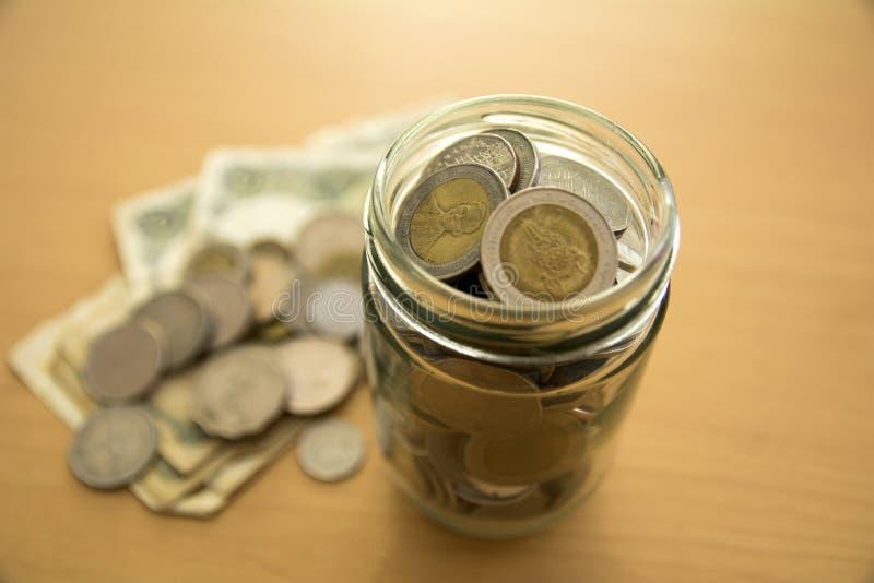 Pengar för investeringbegrepp royaltyfri fotografi