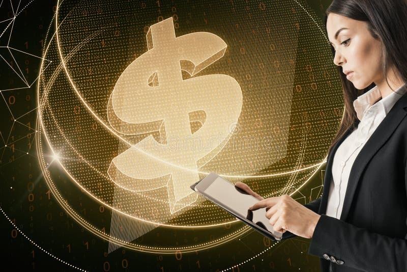 Pengar och e-kommers begrepp arkivbilder