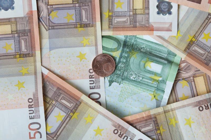 Download Pengarbakgrund med myntet fotografering för bildbyråer. Bild av bili - 78731719