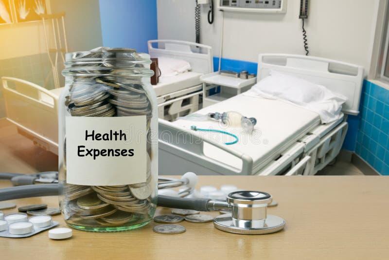 Pengarbesparing för vård- kostnader royaltyfria foton