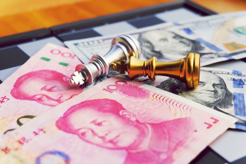Pengarlek För bakgrund eller rengöringsduk Se två stor countries& x27; s-konflikt Handelkrig fotografering för bildbyråer