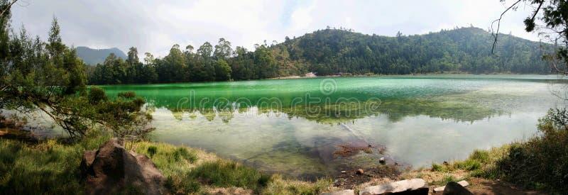 pengilon панорамы озера Индонесии стоковые изображения rf