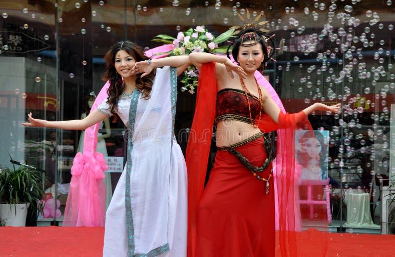 Pengzhou, China: Baumuster an der Modeschau lizenzfreie stockfotos