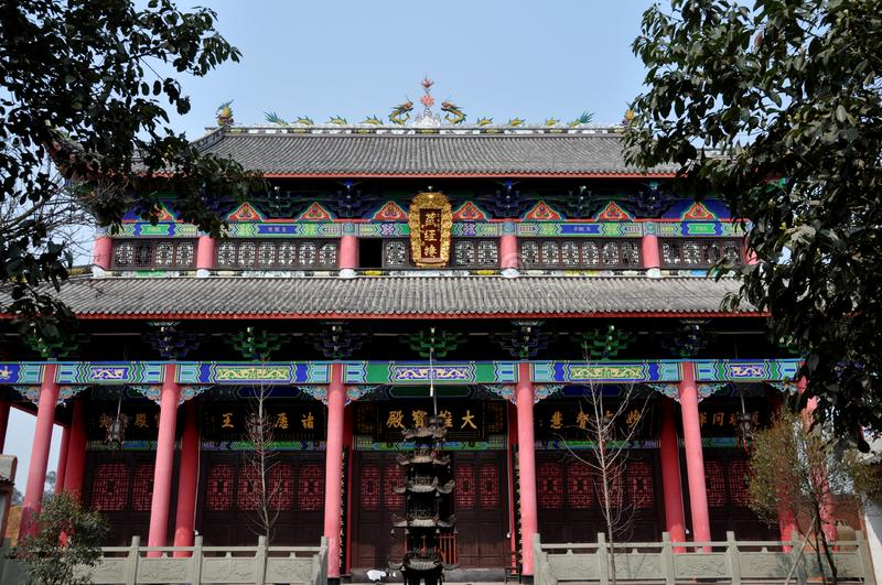 Download Pengzhou, China: Buddhist Temple Hall Stock Photo - Image of rooftop, balconies: 13597752