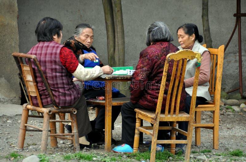 Pengzhou, Chine : Quatre femmes jouant Mahjong photographie stock