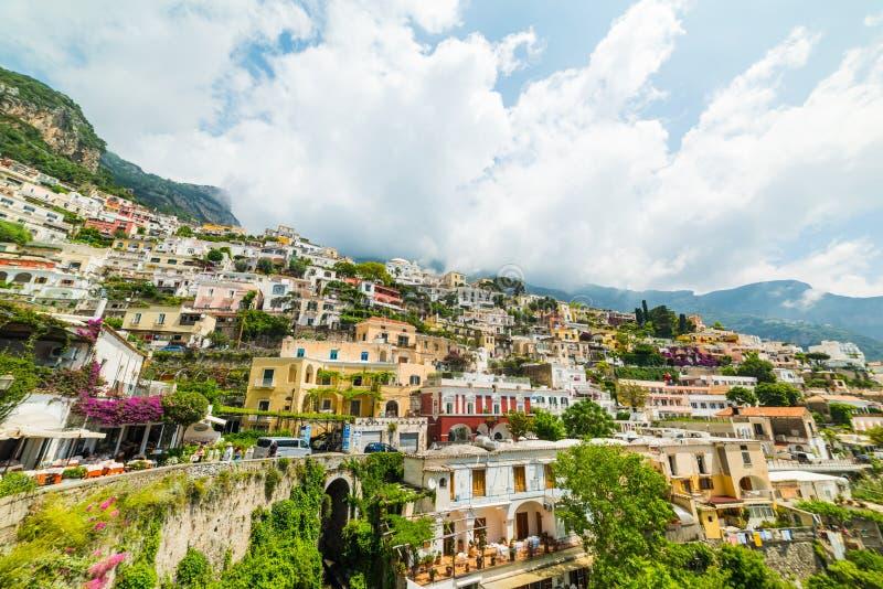 Penhasco bonito em Positano mundialmente famoso fotos de stock royalty free