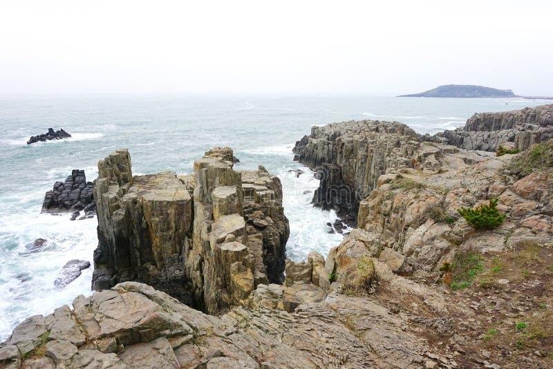 Penhasco de Tojinbo, rochas de Sandan fotos de stock