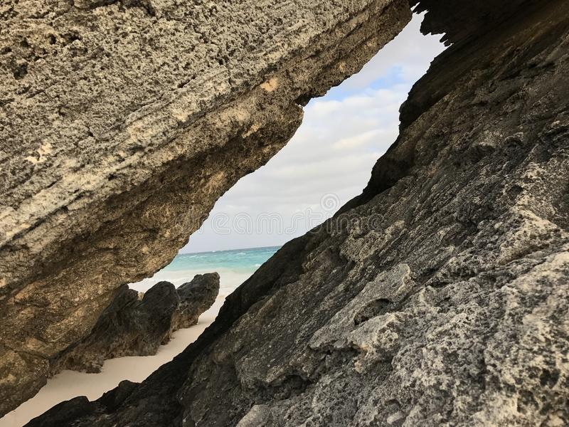 Penhasco, oceano, Bermuda, foto de stock royalty free