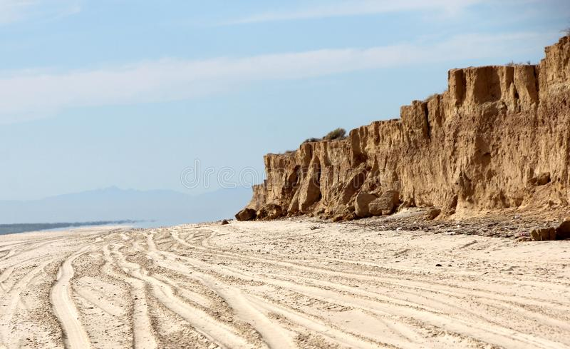 Penhascos ao longo da linha costeira de mar de Cortez perto do EL Golfo de Santa Clara, Sonora, México imagens de stock royalty free