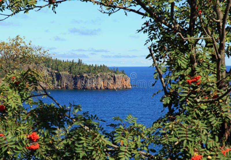 Penhascos ao longo do Lago Superior fotos de stock royalty free
