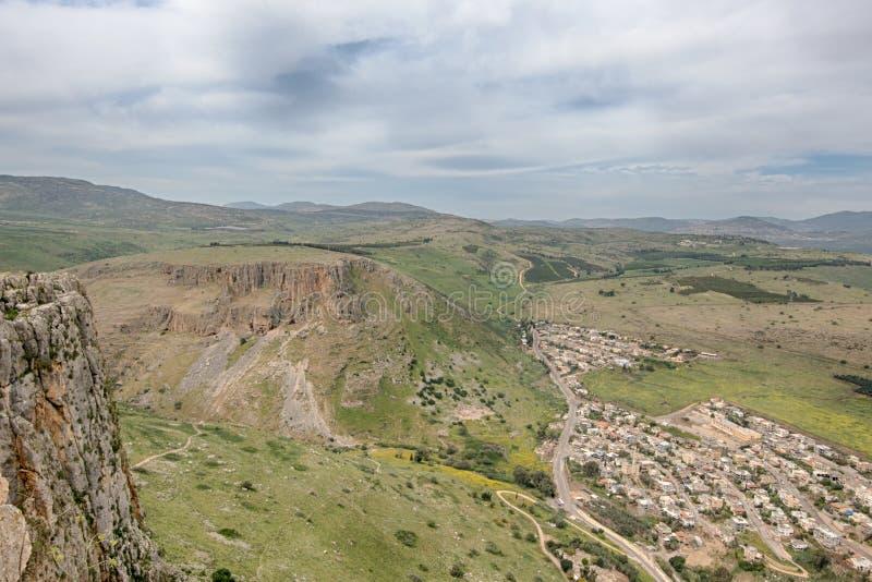 Penhascos de Arbel, Jesus Trail, parque nacional de Arbel, Israel imagem de stock royalty free